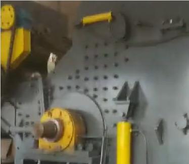 大型汽che壳po碎机